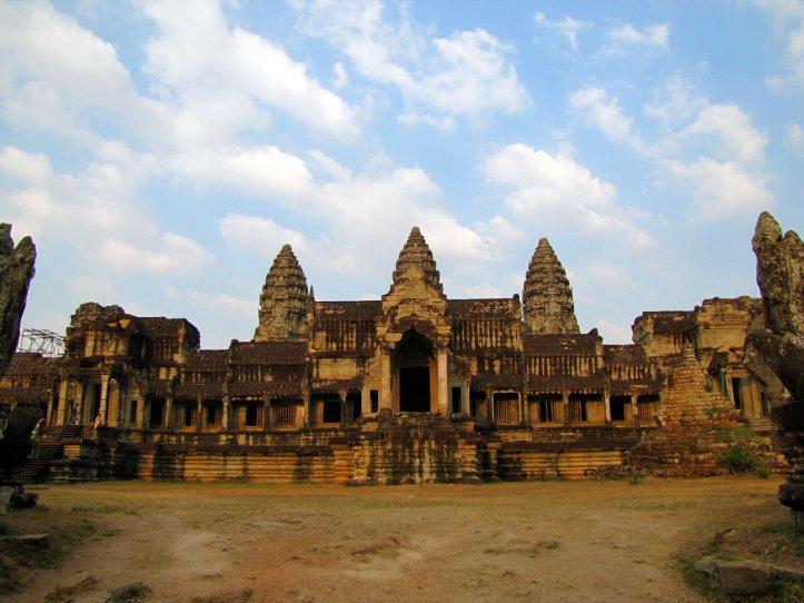 http://www.travelskyline.net